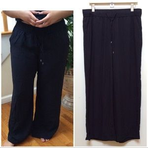 💋a.n.a. Black Wide Leg Trousers